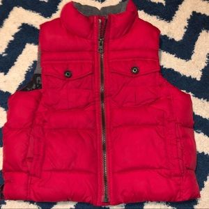 red baby gap puffer vest 3T
